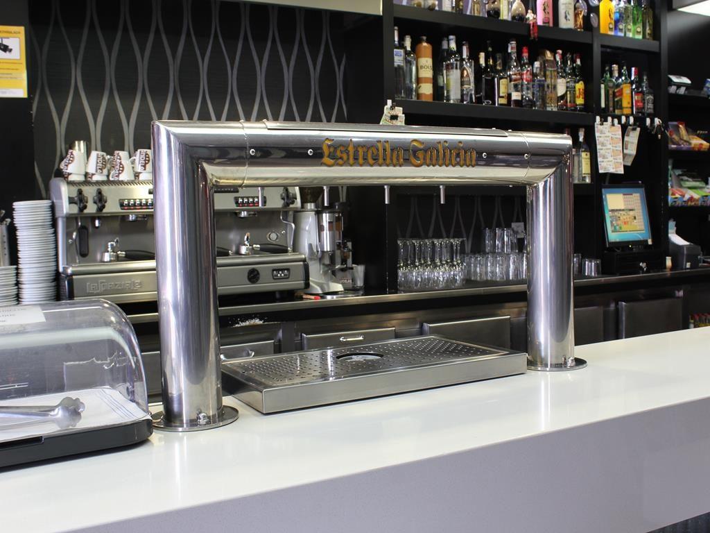 Cañas y Tapas Cafe bar carlos