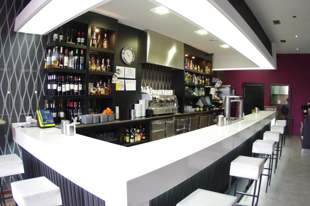 Café bar Carlos barra interior